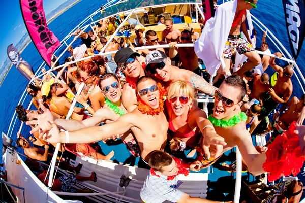 2. Day - Party Boat